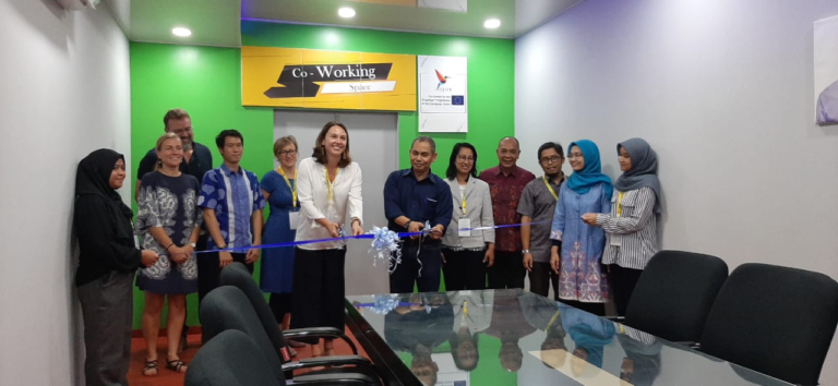 Inauguration of INSPIRE Co-working space by WR 4 Andalas University Dr. Ir. Endry Martius, M.Sc and INSPIRE Ms. Project Coordinator Lisa Mahajan